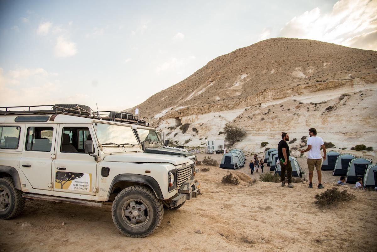טיול גיפים גלמפינג במדבר