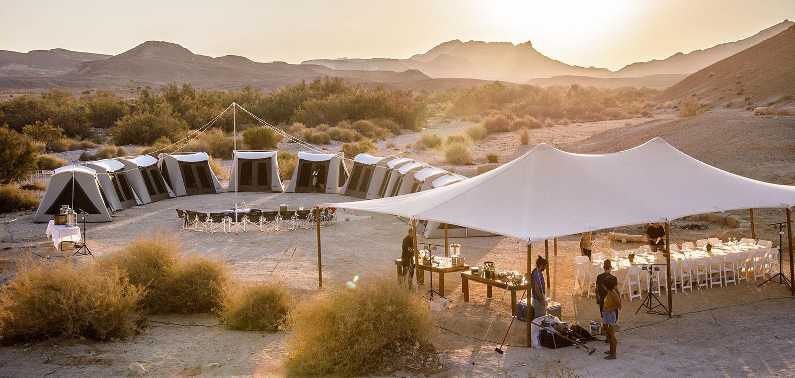 גלמפינג יום הולת 50 במדבר אירוע פרטי