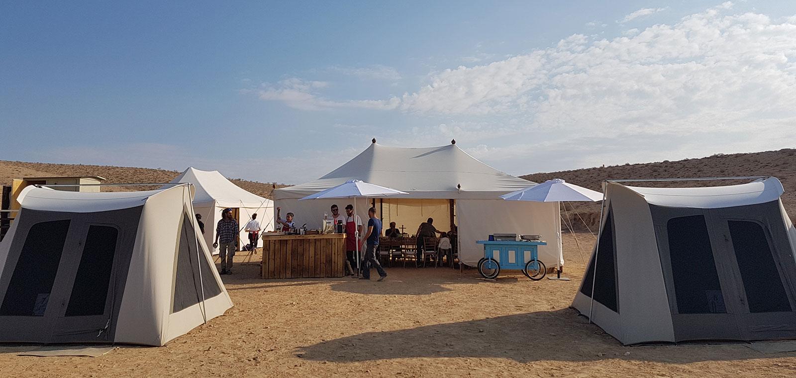 גלמפינג יום הולדת 60 במדבר