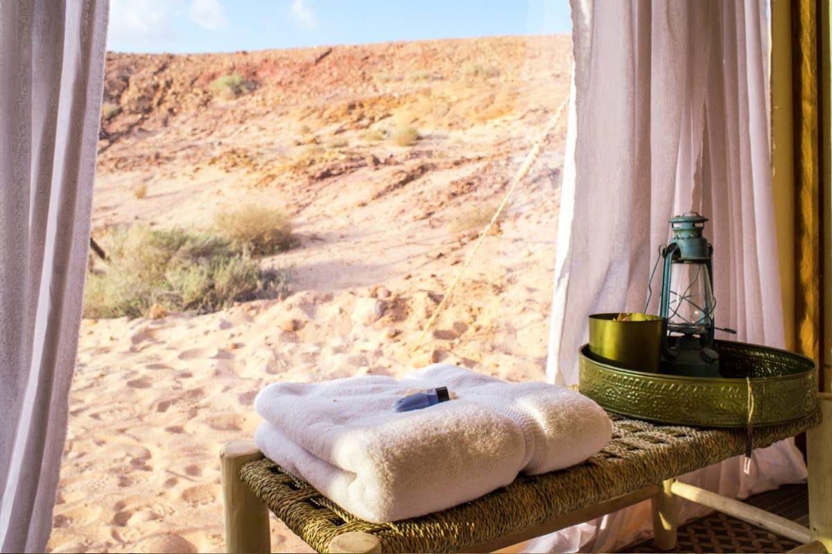 פופ אפ אואזיס גלמפינג במדבר