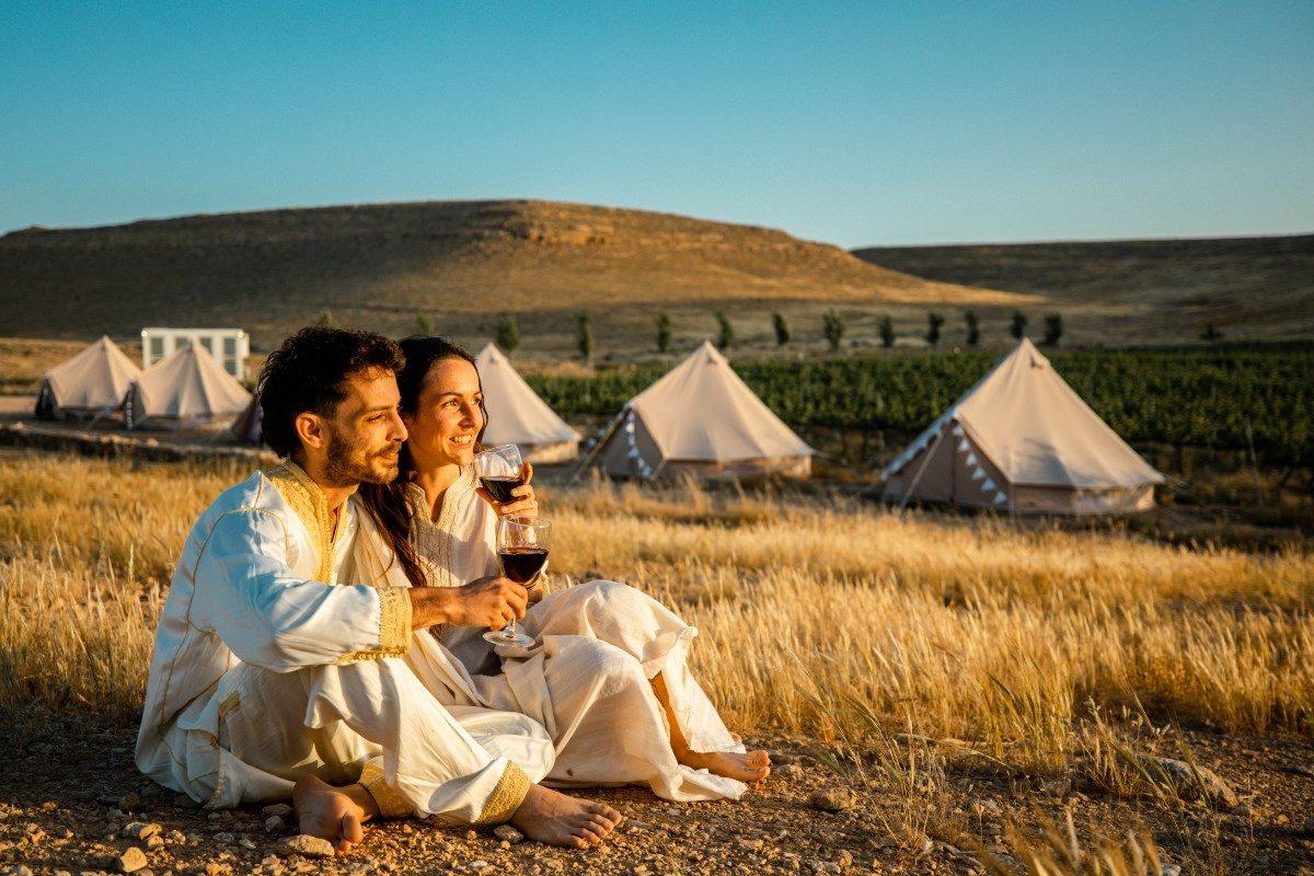 גלמפינג במדבר אירוע חתונה