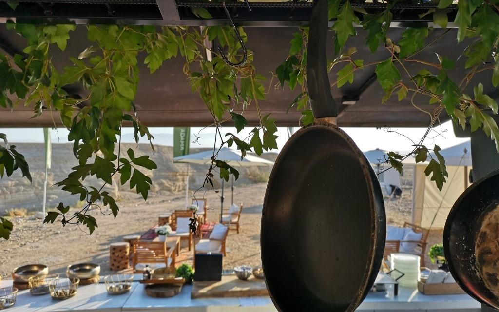glamping breakfast israel mazada